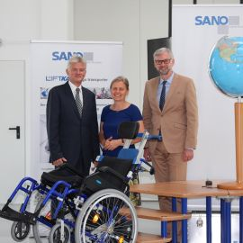 Mag. Thomas Oberngruber, Leiter Export Center OOE besucht Firma SANO Transportgeraete GmbH
