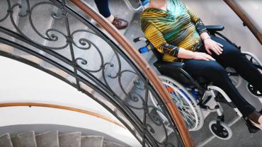 LIFTKAR PT Uni Treppensteiger auf  Wendeltreppe (Damen-zwei Generationen)